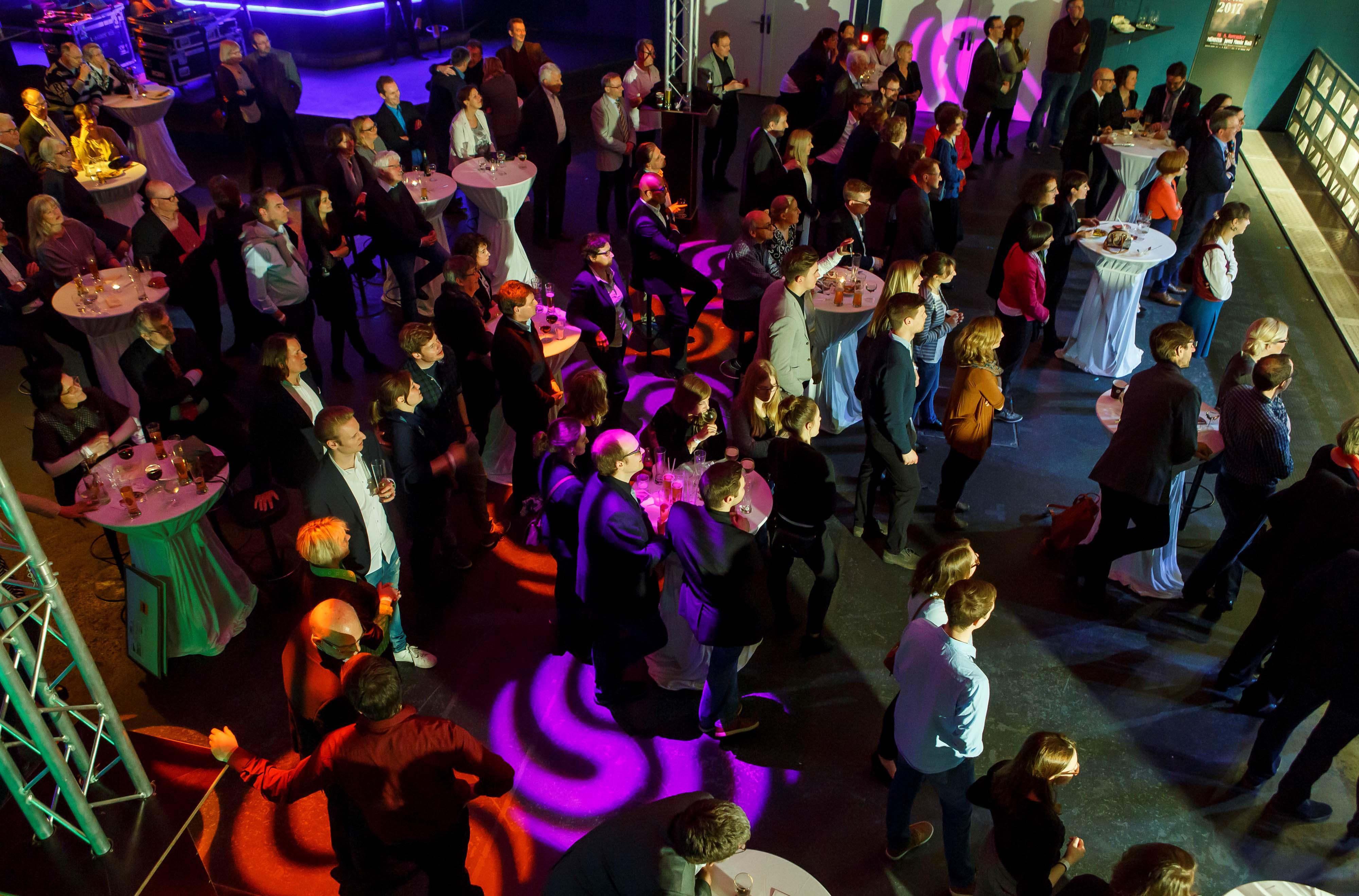 """500 Besucher kamen zur WLAT-Spendengala zu Gunsten von """"Eine Dosis Zukunft"""" in die Jovel Music Hall. Fotos: AKWL/Münsterview"""